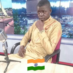 Singer Mofas Khan sings classic Bollywood songs in Mali